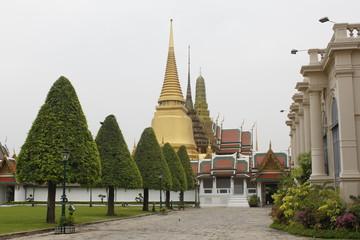 Phra Sri Ratana Chedi (2)