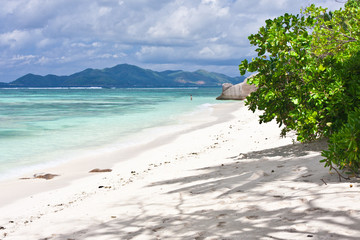 plage d'anse source d'argent, la Digue aux Seychelles