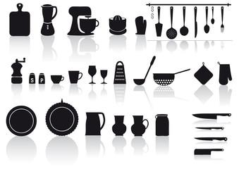 set di utensili, attrezzi e posate per cucinare