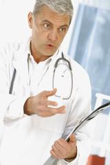 Medecin  hopital tenant des radios
