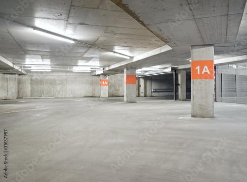 Parking lot - 31637997