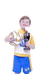 Kind, Fussball und Pokal