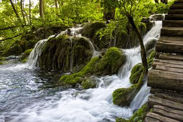 Wodospad na plitvickich jeziorach w Chorwacji.