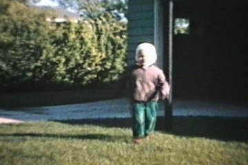 Little Boy Runs On Grass (1964 - Vintage 8mm film)