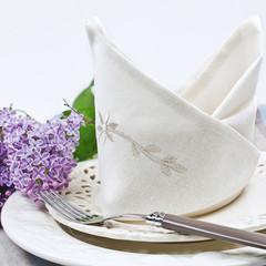 Tischgedeck mit Stoffserviette
