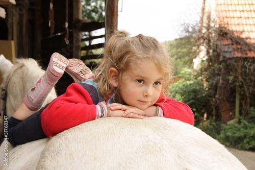 Entspannung auf dem Pony - 31768347