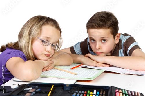 genervte kinder beim lernen