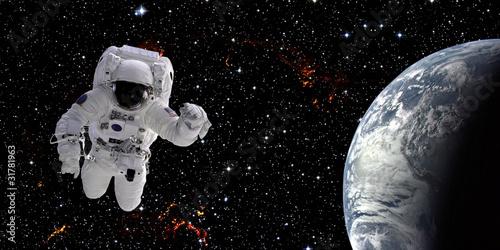 Leinwanddruck Bild Astronaut in space
