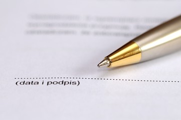 podpis pod umową