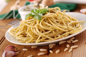 spaghetti al pesto - otto