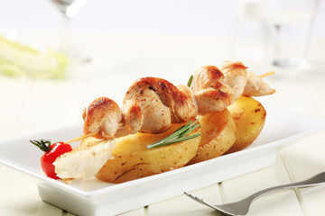 Chicken kebab and roasted potatoes