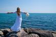 femme face à la mer