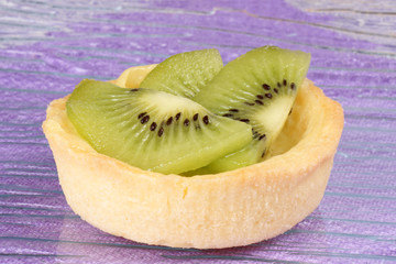 Mini kiwi fruit tart