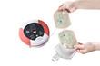 Leinwanddruck Bild - AED Elektroden entnehmen