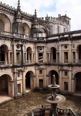 Португалия, декор замка крестоносцев Томар.