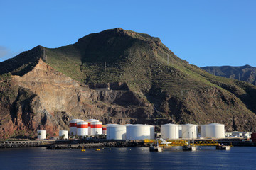 Oil storage in the industrial port