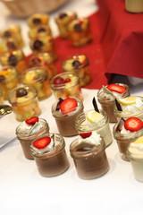 leckere desserts am Buffet