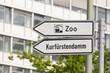 Hinweisschilder Zoo / Kurfürstendamm