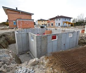 Kellerbau eines Wohnhauses. Keller für Einfamilien