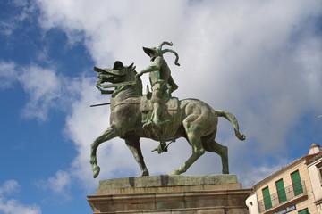 Estatua de Pizarro en la Plaza Mayor de Trujillo, Cáceres