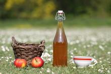 Sidra, jugo de manzana, Bretaña, Normandía, barril, botella