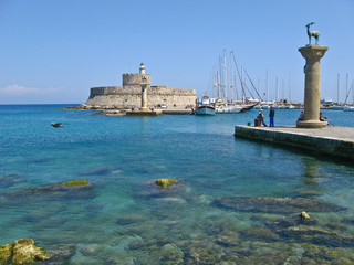Porto storico di Rodi in Grecia
