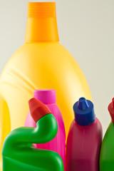 flacons de produits ménagers