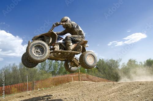 quad jump - 32110142