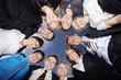 Kreisrunde Versammlung der motivierten Mitarbeitern