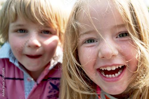 Leinwandbild Motiv Lachende Kinder