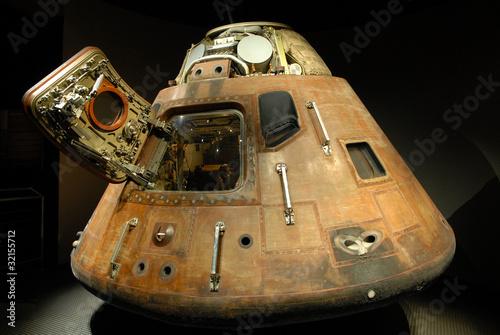 Apollo capsule - 32155712