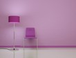 Stuhl Pink vor rosa Wand