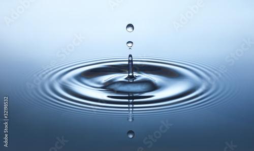 Wassertropfen - 32198532