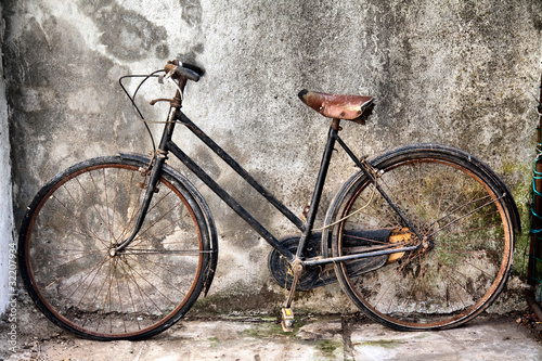 old bicycle side view © marcovarro