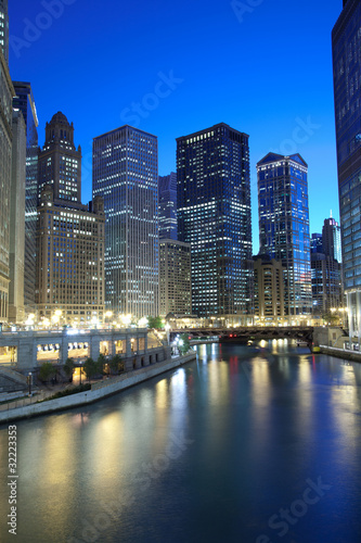 Foto Spatwand Grote meren Chicago Financial District at night