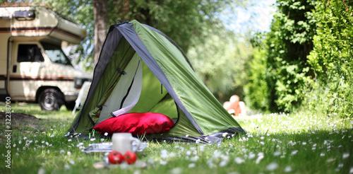 Fototapete Camping - Wohnwagen - Poster - Aufkleber