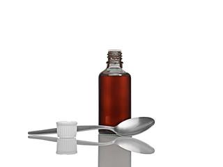 Arzneimittel mit Löffel offen