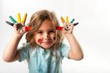 Fototapety Kind mit bemalten Händen