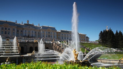 Royal Petrodvorets with fountains in front it at St. Petersburg