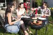 Gartenparty mit Grillen