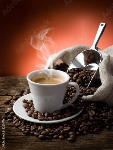 goraca-kawa-palacz-caffe