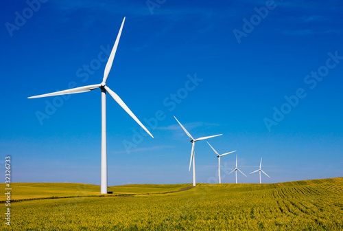 Wind turbines farm - 32326733
