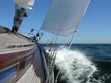 Fototapeta spray - fala - Jacht