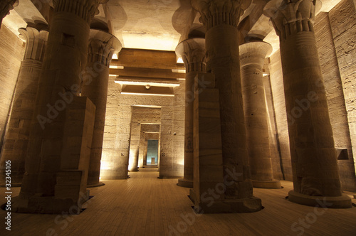 Papiers peints Egypte Columns in the Temple of Isis at Philae in Aswan