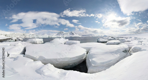 Leinwandbild Motiv WInter in the Arctic - PANORAMA