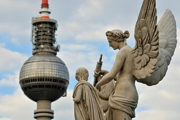 Statue auf der Schlossbrücke (Berlin)