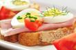 Canapes  mit Schinken und Ei