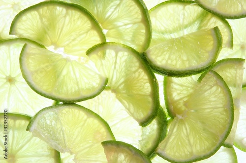 Sliced limes © greatandlittle