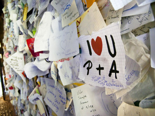 """I love U"", Love notes in archway of Casa di Giulietta."