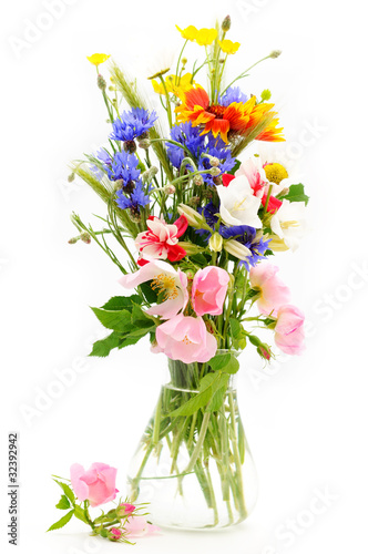 Obraz na Szkle Bouguet of wild flowers in vase